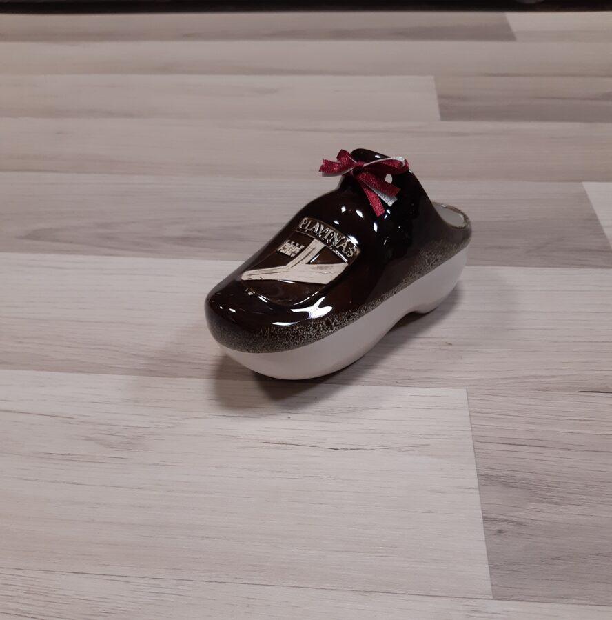 Maza keramikas kurpīte ar Pļaviņu ģerboni