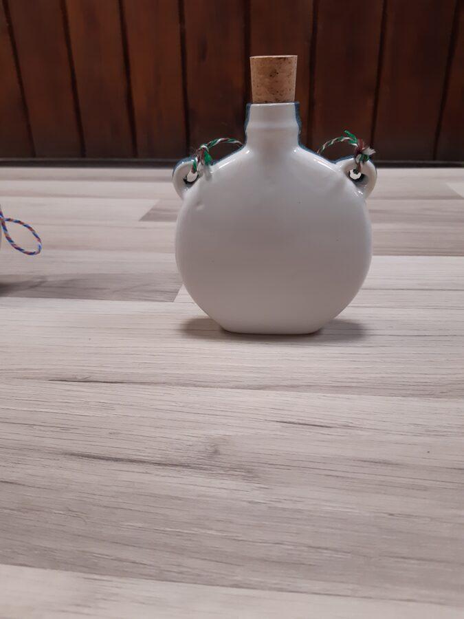 Keramikas blašķe ar Pļaviņu ģerboni