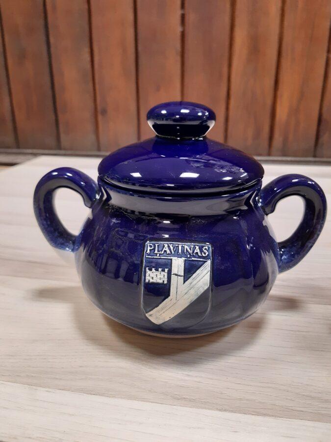Keramikas cukurtrauks ar Pļaviņu ģerboni